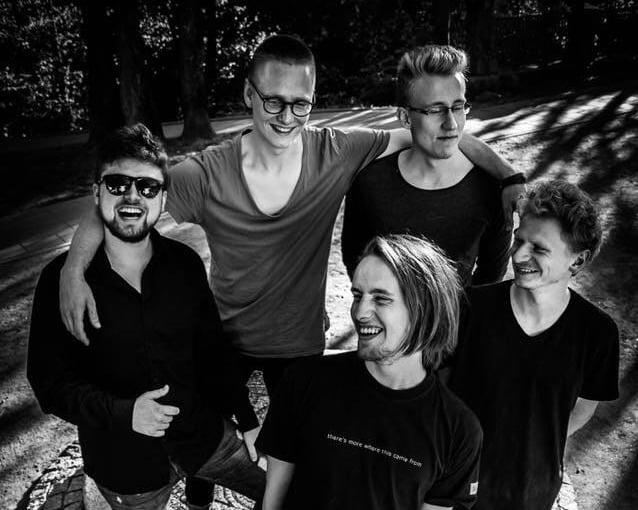 Brave Noises debiutiniame albume kviečia improvizuoti gyvenimą tarp sapnų