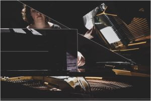 """""""Muzikalkė"""" gyvai transliuos visiems atviras muzikos pamokas"""