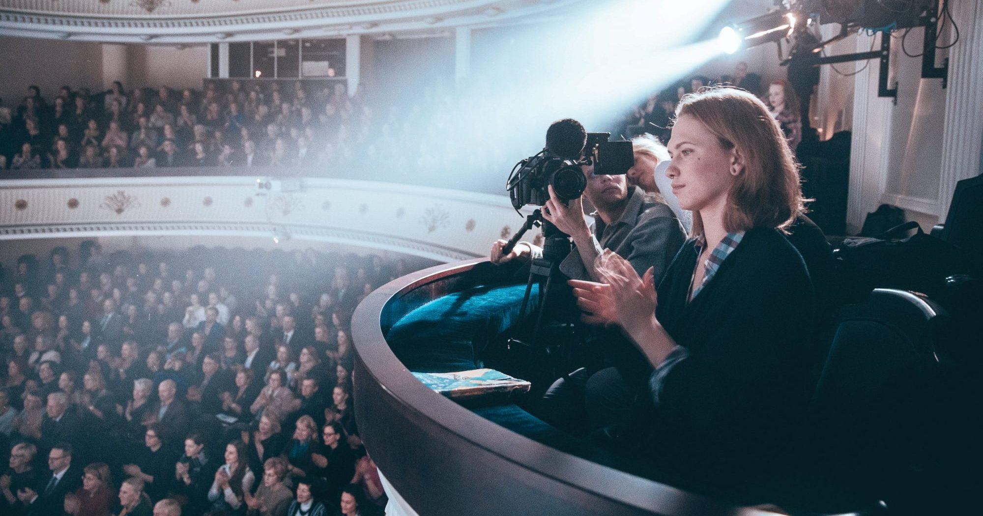 LMTA Balkono teatre – džiazas, dokumentika ir įžymybių buitis