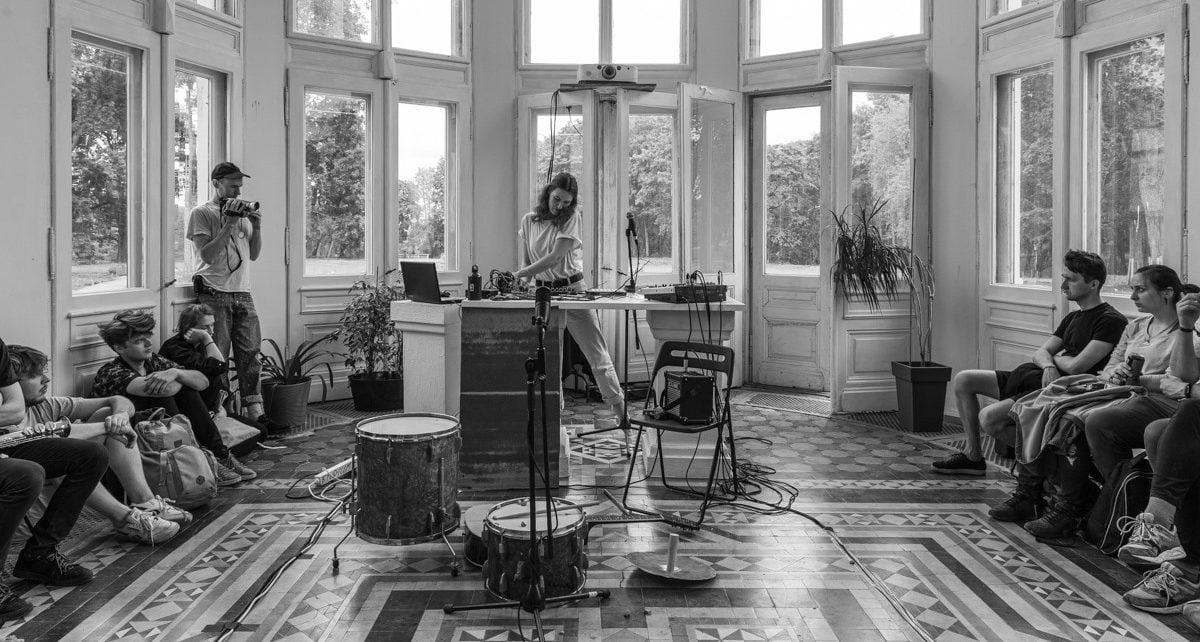 Internetinio bendruomenės radijo iniciatyva – koncertų transliacijos iš kūrėjų studijų
