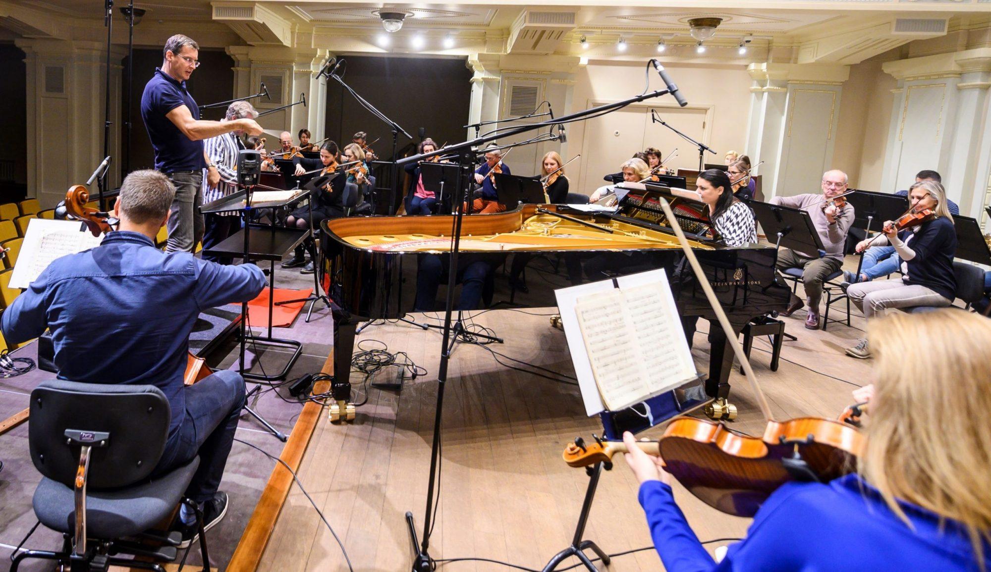 """""""Ondine"""" su Nacionaline filharmonija rengia naujus lietuvių muzikos albumus"""