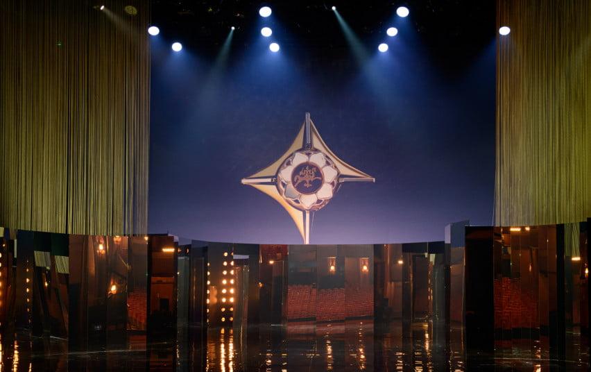 """Geriausiems scenos menininkams įteikti """"Auksiniai scenos kryžiai"""""""